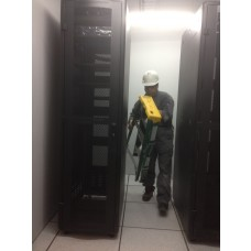 instalación de Rack para Data Center